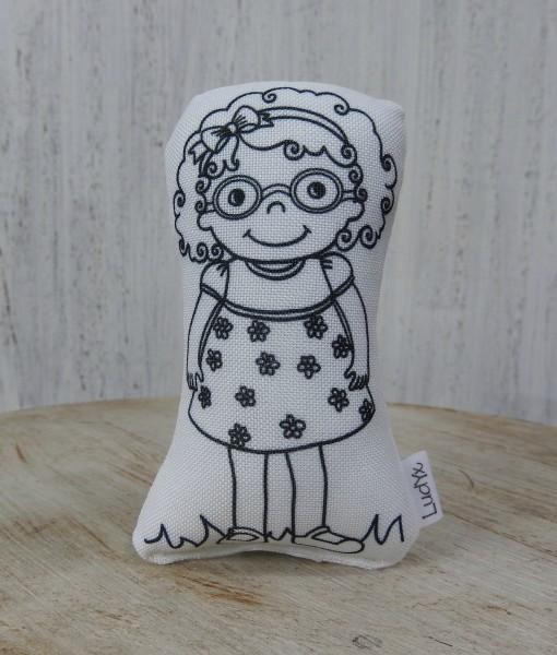 menina Suzy de óculos
